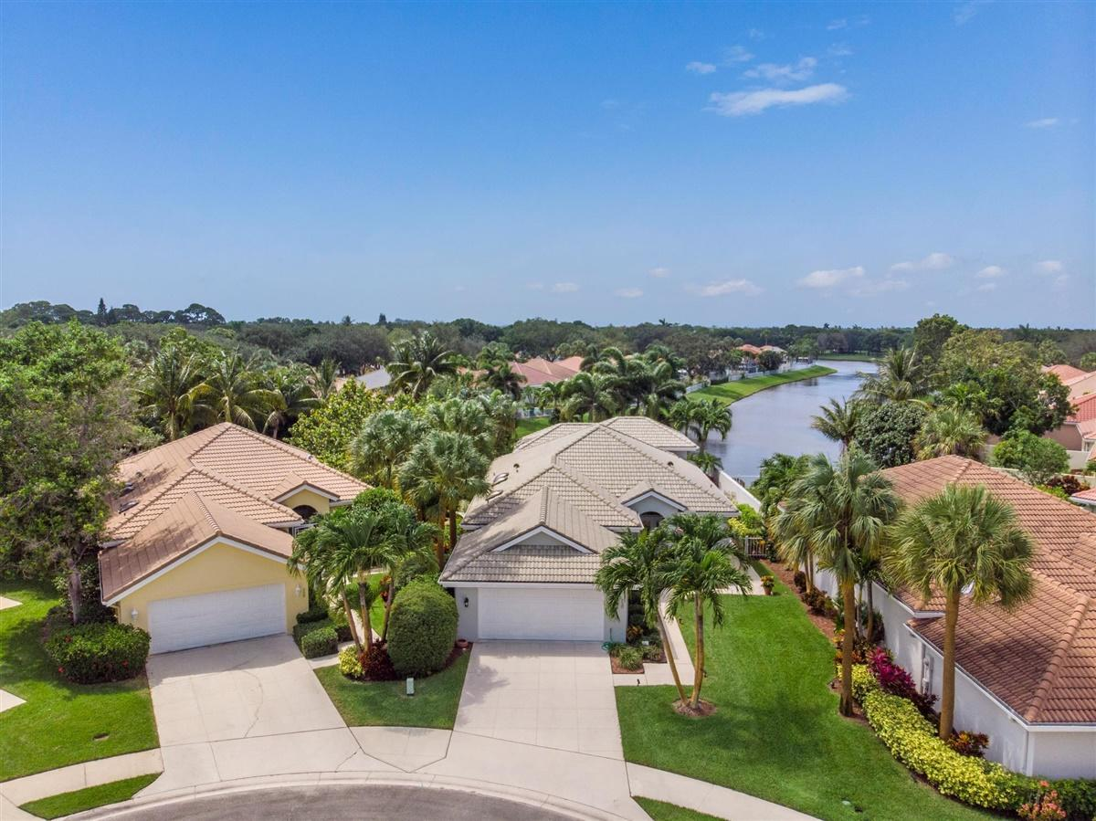 230  Hampton Court, Jupiter, Florida