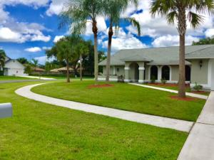 2779  Yarmouth Drive  For Sale 10626676, FL