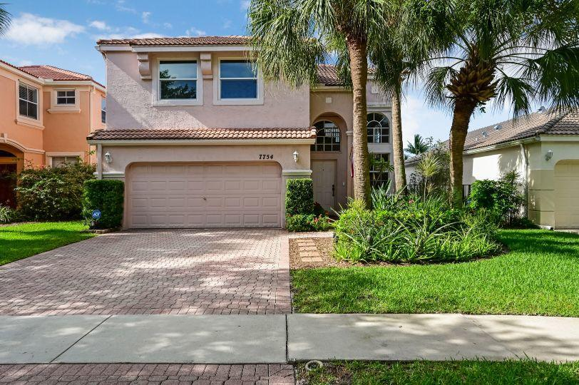 7754 Oak Grove Circle  Lake Worth FL 33467