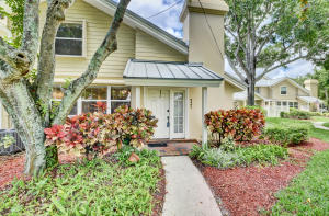2401  Amherst Court  For Sale 10626005, FL