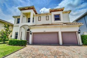 9947  Coronado Lake Drive  For Sale 10626952, FL