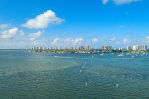 2650  Lake Shore Drive 1106 For Sale 10627075, FL