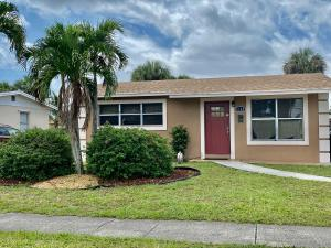 1358  8th Street  For Sale 10627244, FL