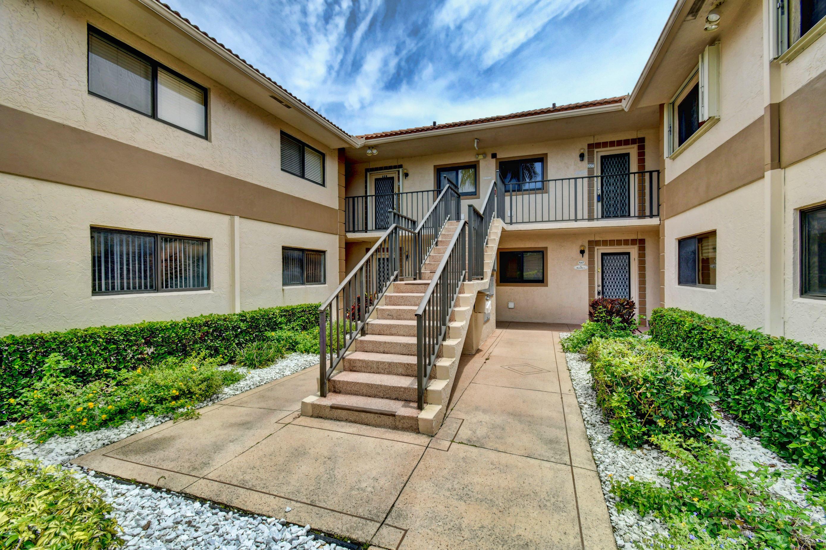 15451 Pembridge Drive 226  Delray Beach, FL 33484