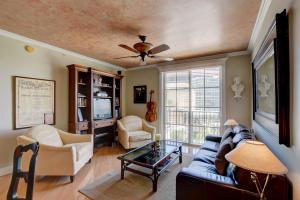 780 S Sapodilla Avenue 401 For Sale 10628927, FL