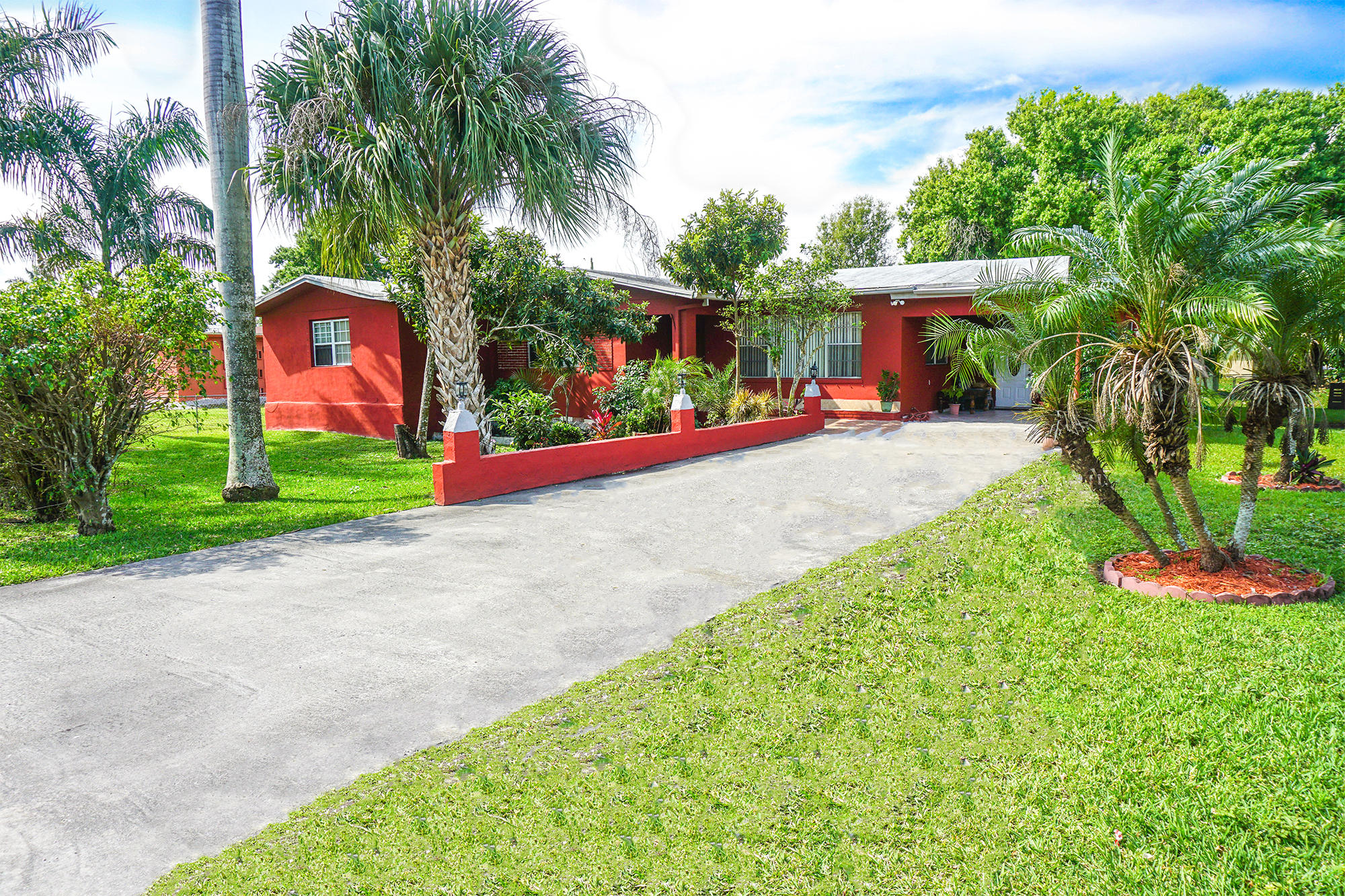 Home for sale in S/D OF 5-44-37, LOT 7 Belle Glade Florida