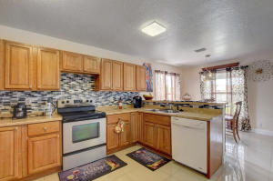 1225 W 30th Street  For Sale 10627518, FL