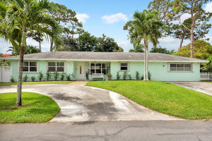 722 SW 25th Place  For Sale 10627794, FL