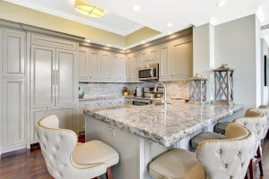 801 S Olive Avenue 606 For Sale 10627855, FL