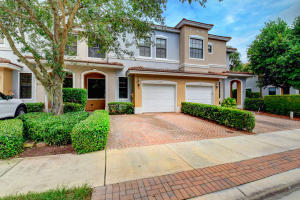 230 E Chrystie Circle  For Sale 10629231, FL