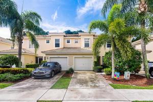 9782  Lago Drive  For Sale 10629301, FL