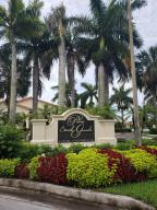 1495  Lake Crystal Drive D For Sale 10629175, FL