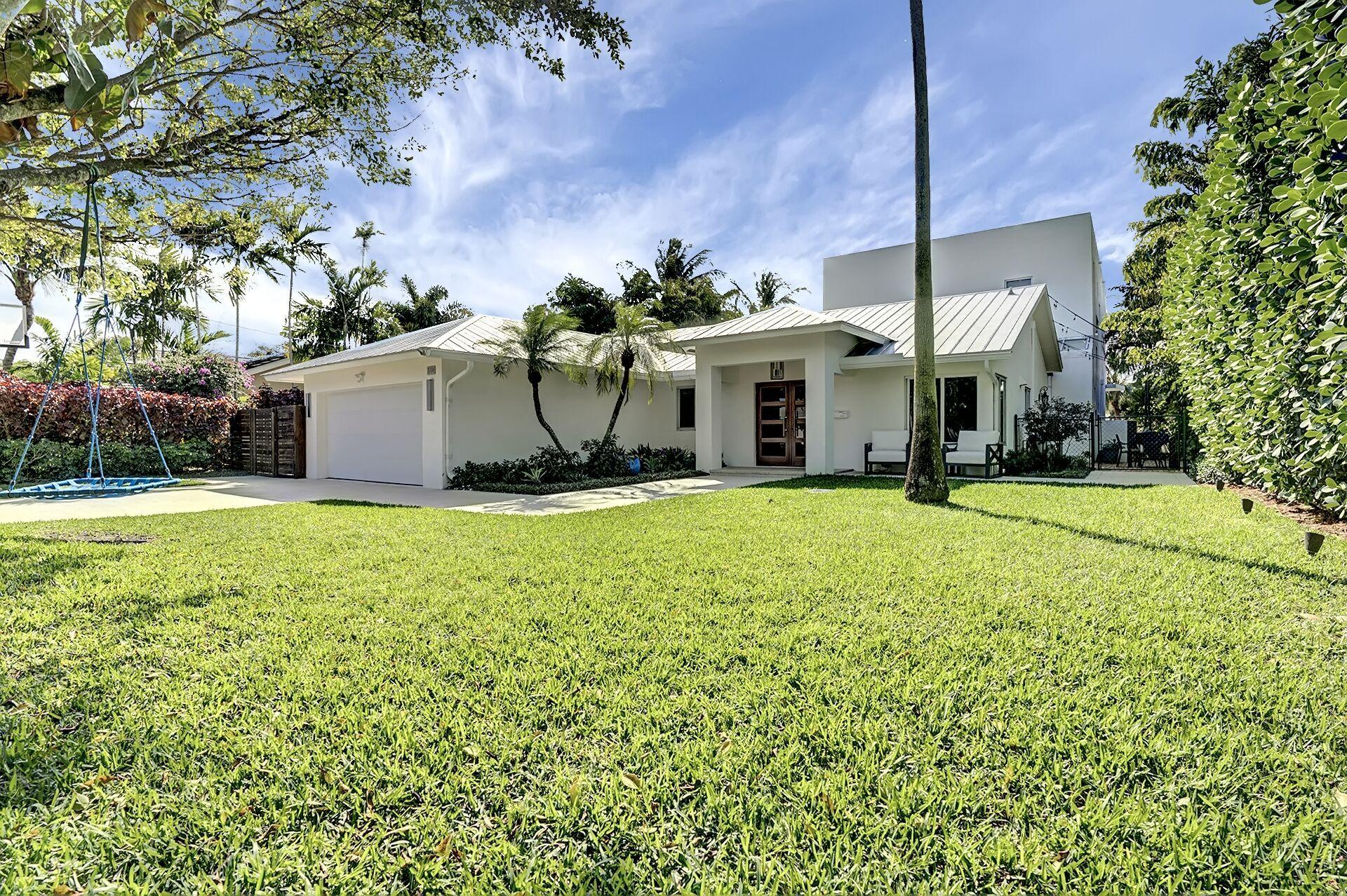 Home for sale in Lake Ida Neighborhood Delray Beach Florida
