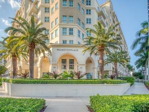99 SE Mizner Boulevard 812 For Sale 10463429, FL