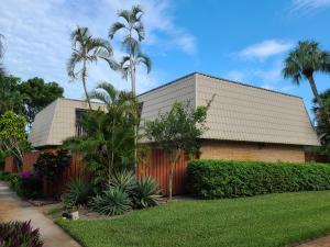 1700  Embassy Drive 306 For Sale 10629945, FL