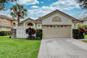 4325  Sherwood Forest Drive  For Sale 10630046, FL
