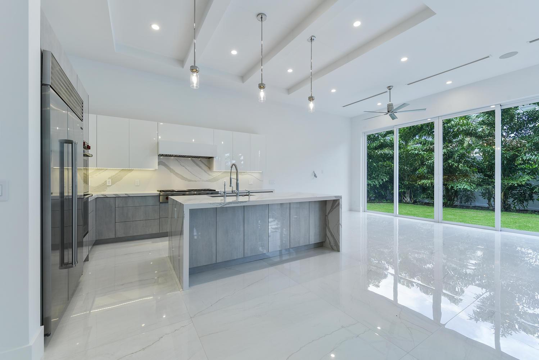 1050 NE 2nd Terrace Boca Raton-large-004