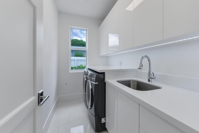 1050 NE 2nd Terrace Boca Raton-large-007