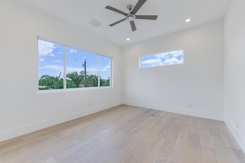 1050 NE 2nd Terrace Boca Raton-large-017