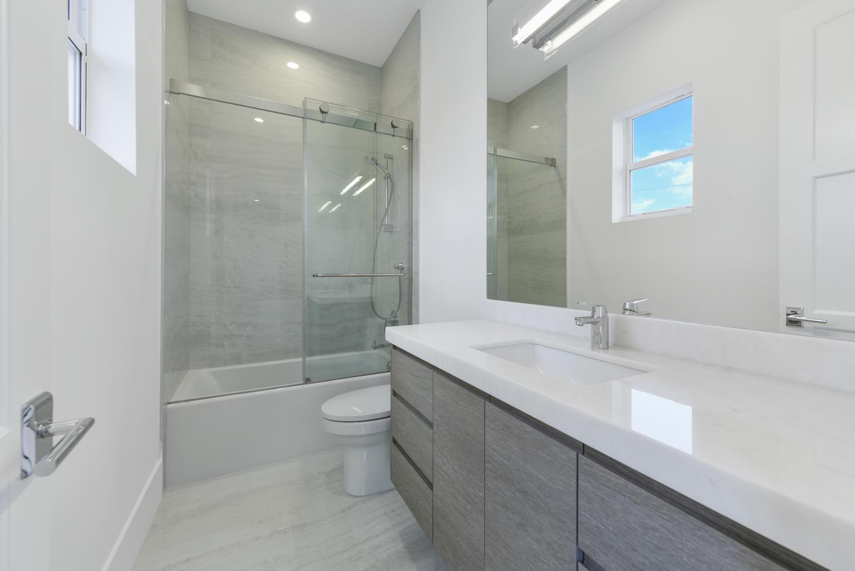 1050 NE 2nd Terrace Boca Raton-large-024