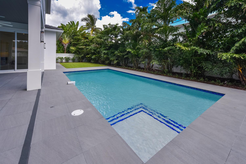1050 NE 2nd Terrace Boca Raton-large-035