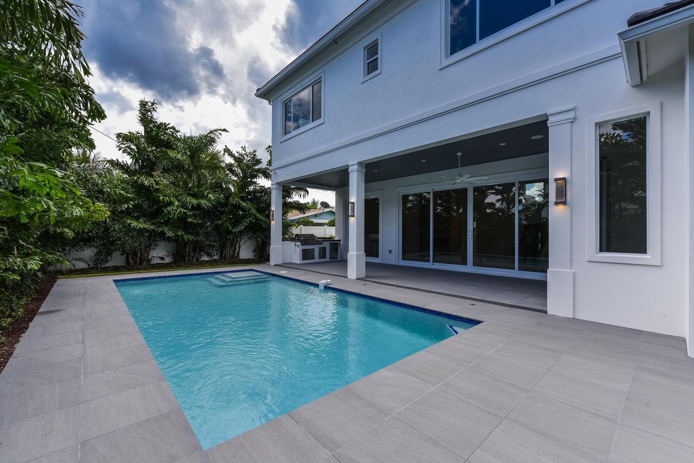 1050 NE 2nd Terrace Boca Raton-large-040