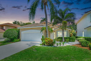 2727 S Clearbrook Circle  For Sale 10629740, FL