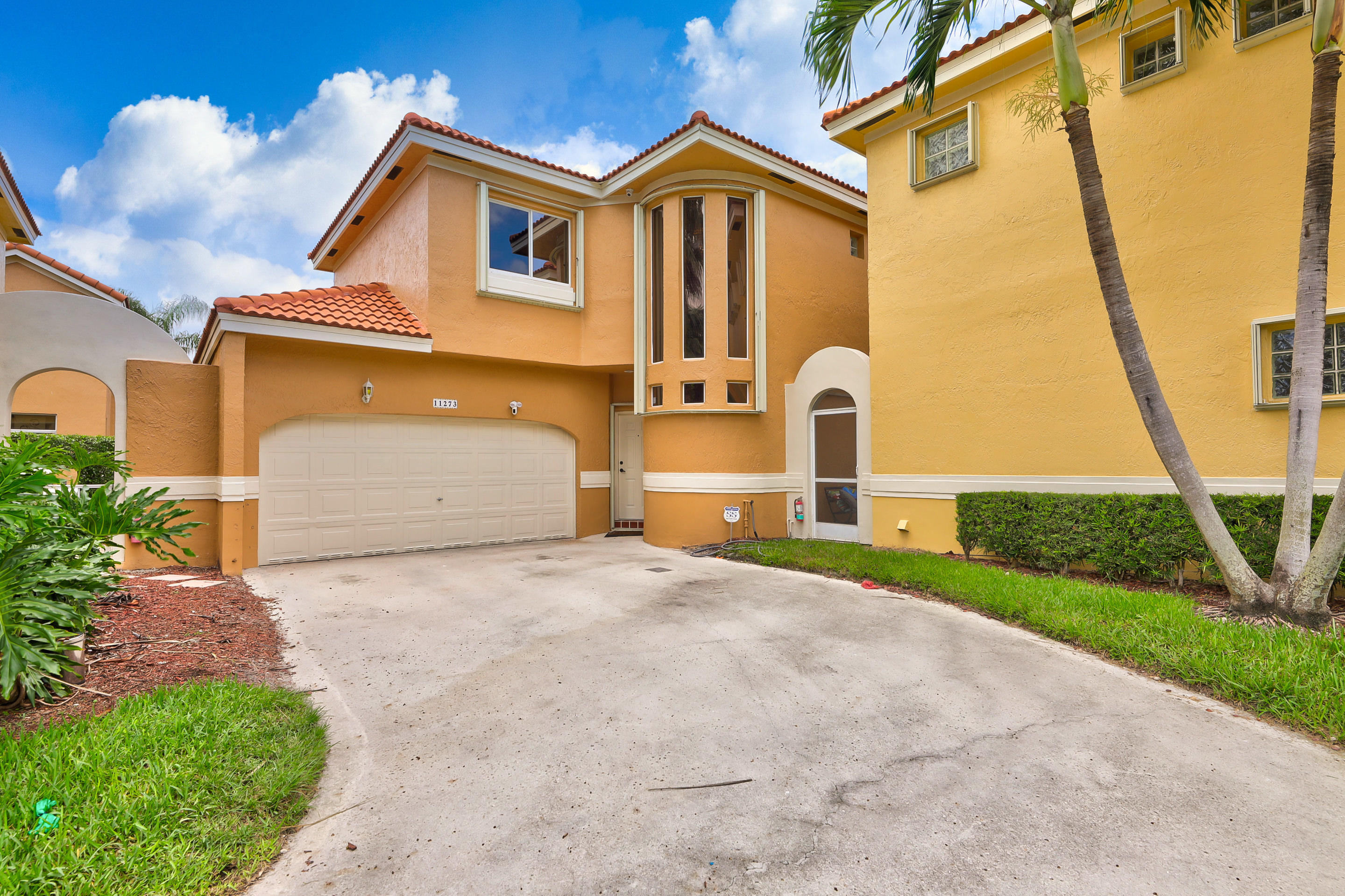 11273 Lakeview Drive 32-I  Coral Springs FL 33071