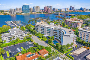 389 S Lake Drive 1d For Sale 10630306, FL