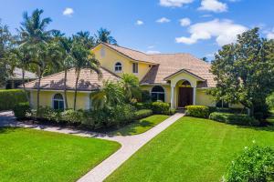 2509  Seminole Circle  For Sale 10630837, FL