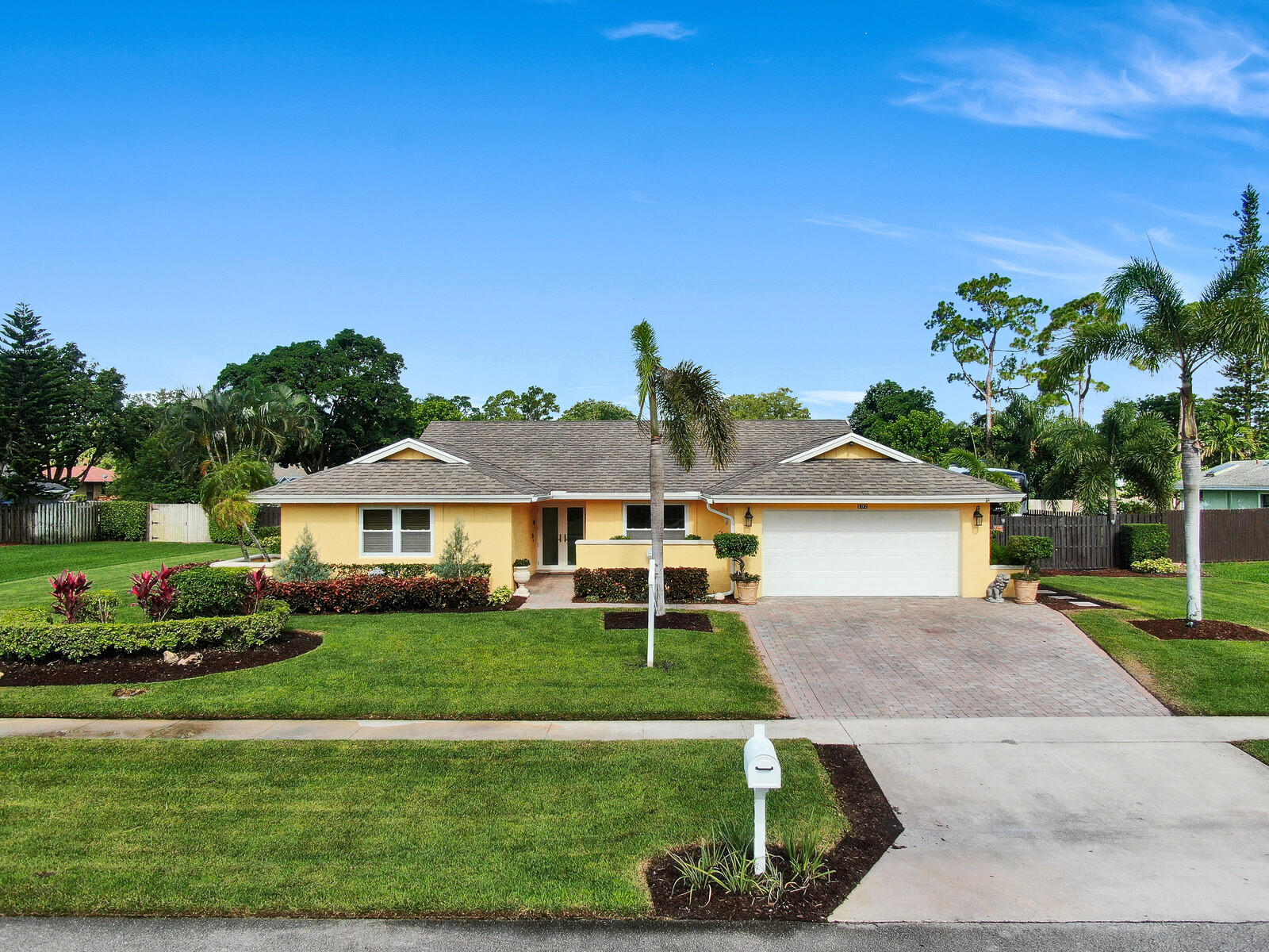 197 Old Country Road Wellington, FL 33414