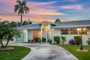 131  Cascade Lane  For Sale 10630395, FL