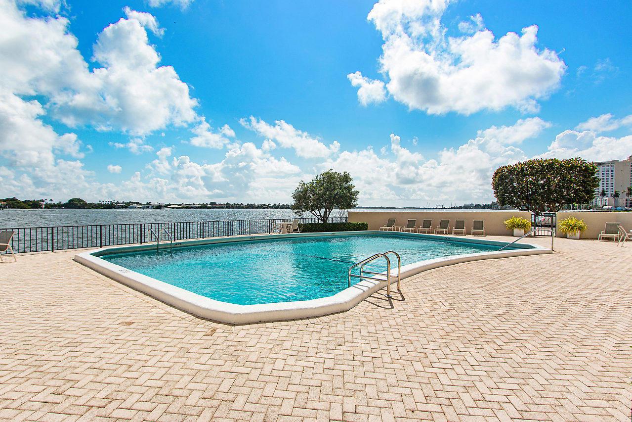 1200 S Flagler 105 Drive 105 West Palm Beach, FL 33401 photo 24