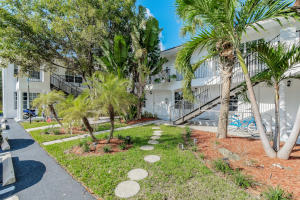 3208 S Dixie Highway 1 For Sale 10631001, FL