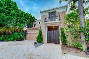 4305 NW 63rd Place  For Sale 10630284, FL