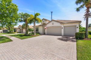 9488  Isles Cay Drive  For Sale 10631103, FL