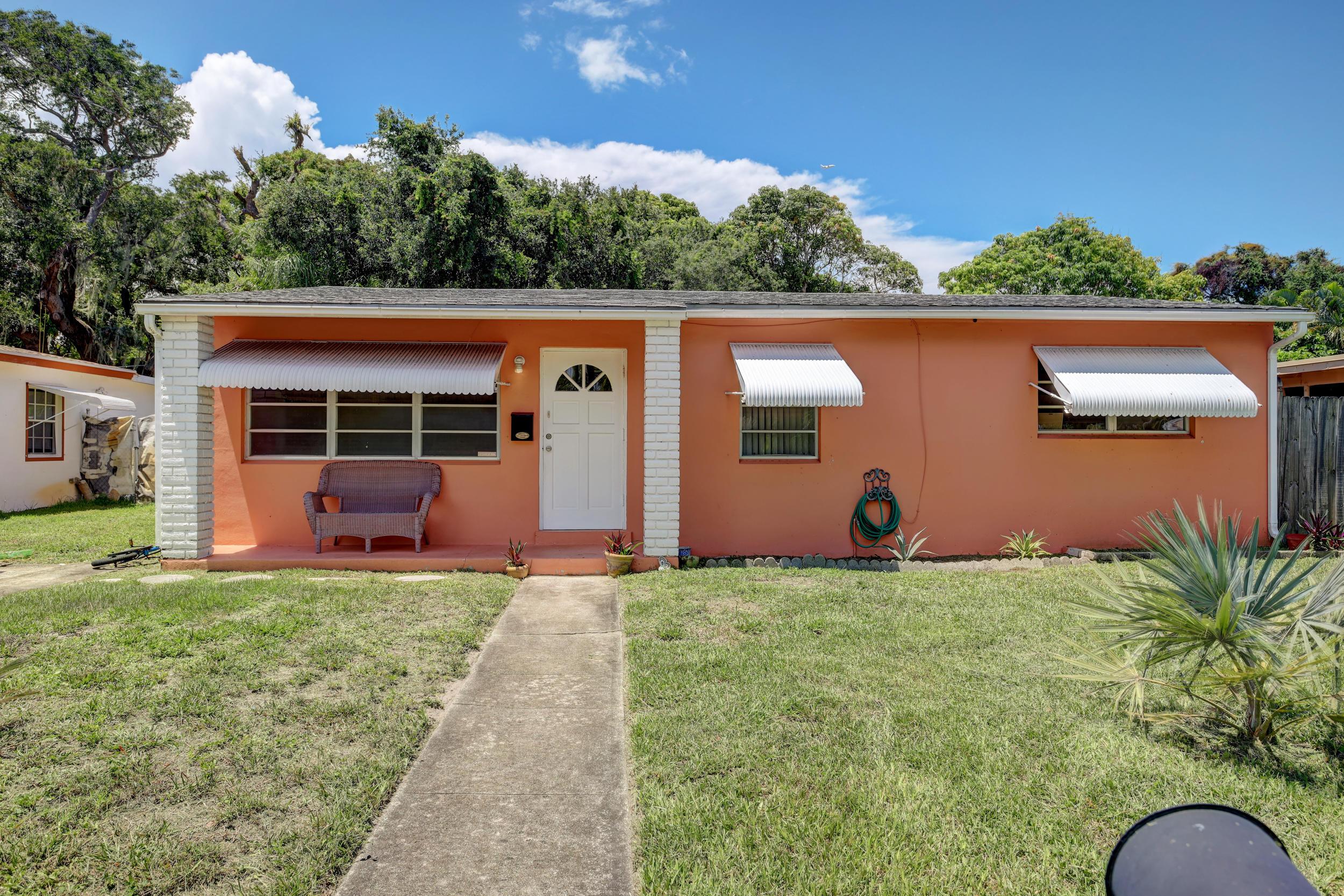1031 Bradley Court West Palm Beach, FL 33405