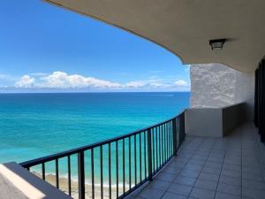 4200 N Ocean Drive 1-1705 For Sale 10631128, FL