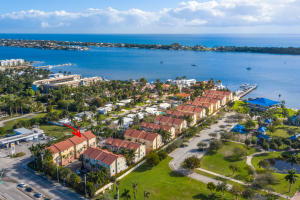 104  Harbors Way  For Sale 10635935, FL