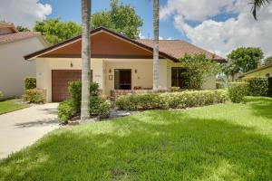 4976  Boxwood Circle  For Sale 10631245, FL