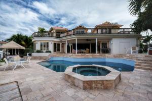 125  Marlin Drive  For Sale 10631405, FL