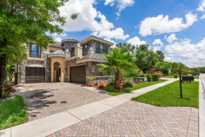 3518  Collonade Drive  For Sale 10631558, FL