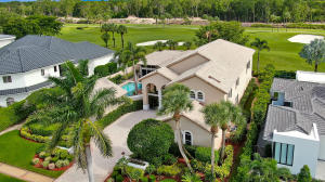 7044  Queenferry Circle  For Sale 10631619, FL