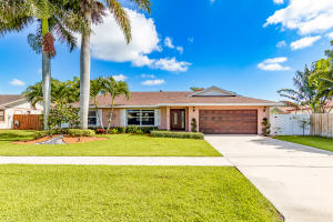 1009  Summerwood Circle  For Sale 10631674, FL