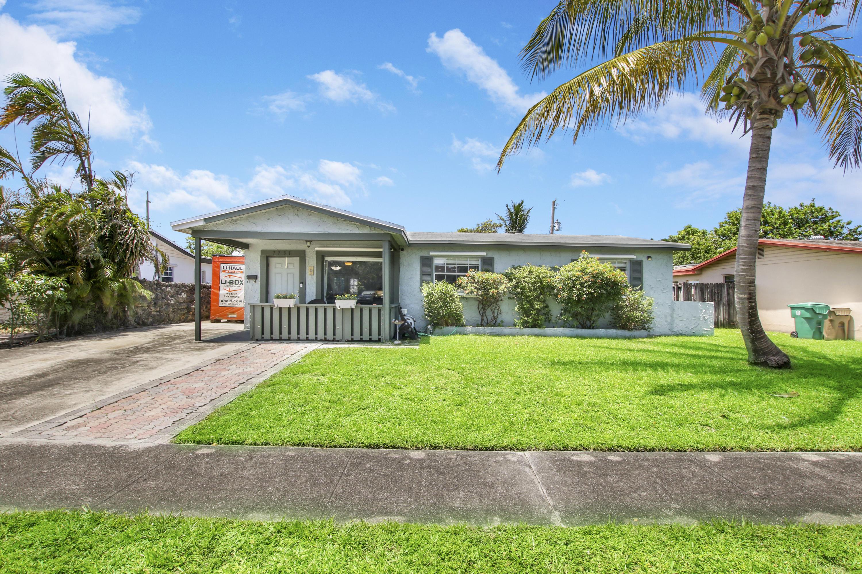 Home for sale in DRIFTWOOD ESTATES NO 10 Davie Florida