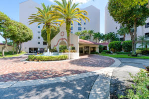 7563  Imperial Drive 502 For Sale 10632534, FL