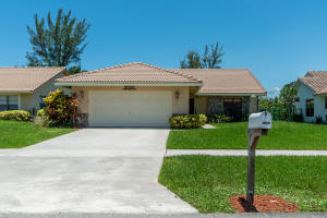 7518  Silver Woods Court  For Sale 10632006, FL