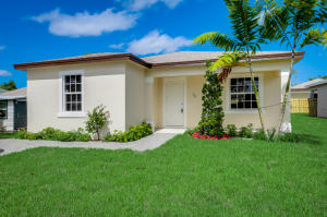 70  Ethelyn Drive  For Sale 10624644, FL