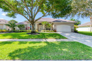 1910 S Club Drive  For Sale 10632146, FL