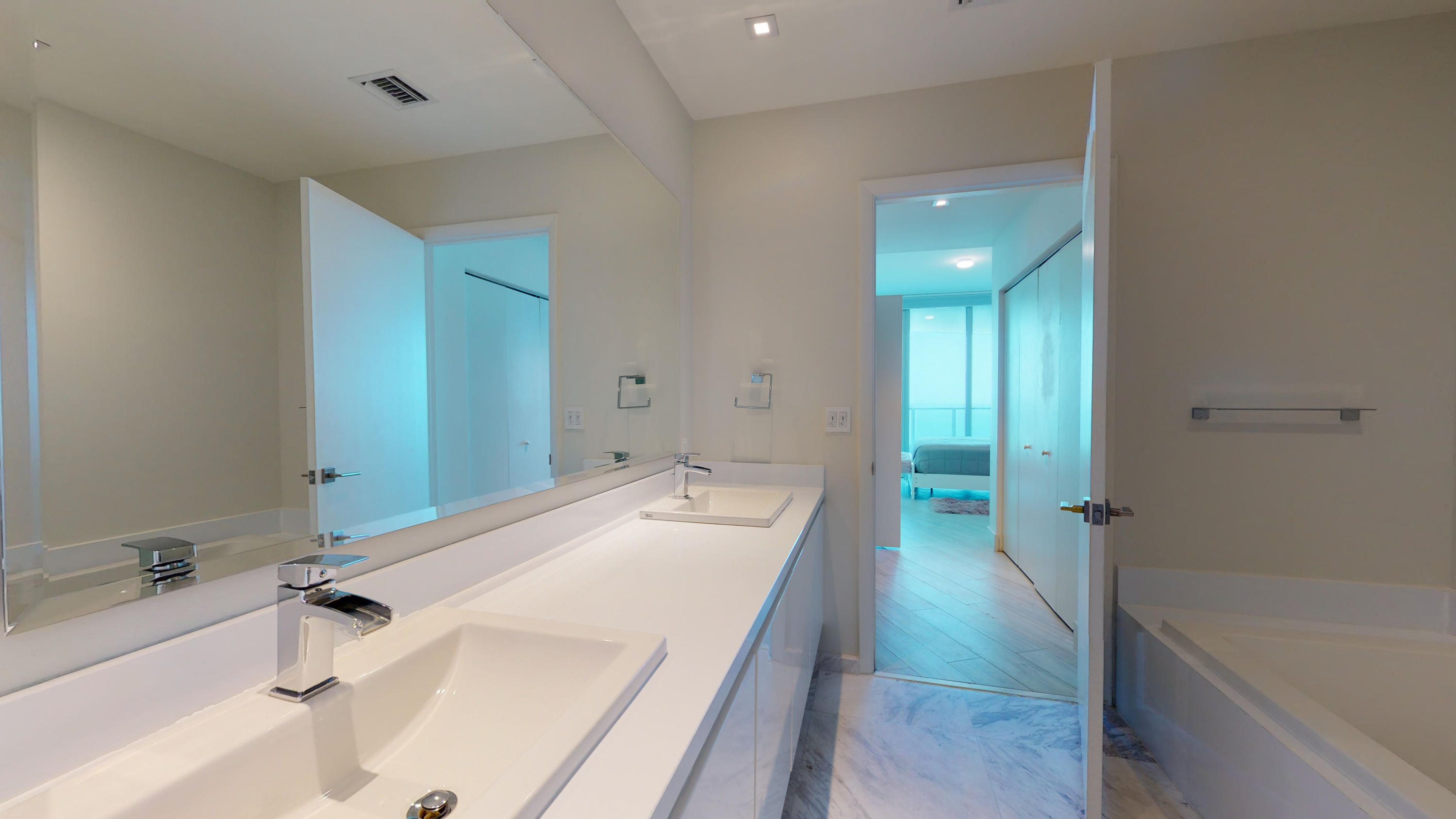 Photo of 701 Fort Lauderdale #1502 listing for Sale
